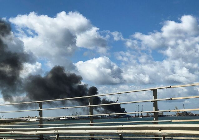 قصف ميناء طرابلس البحري في ليبيا