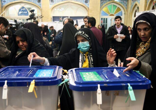 التصويت في الانتخابات الإيرانية