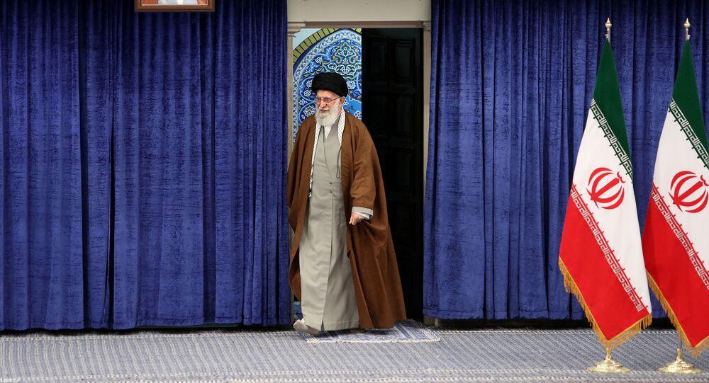 المرشد الأعلى للثورة في إيران علي خامنئي