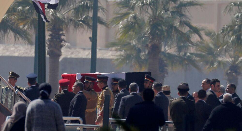 جثمان الرئيس المصري الأسبق محمد حسني مبارك