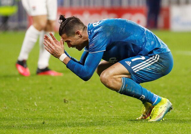 مباراة يوفنتوس وأولمبيك ليون (0-1) في دوري أبطال أوروبا