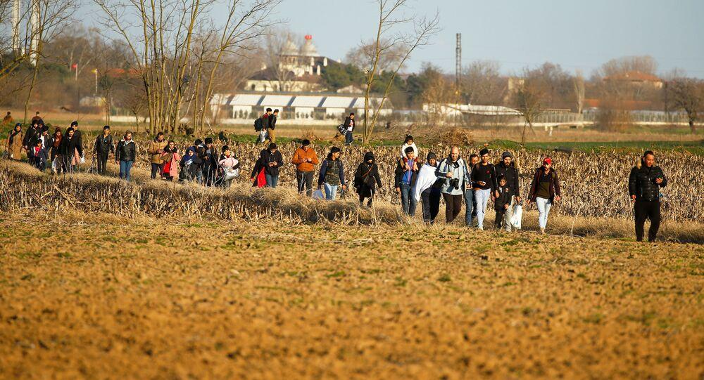 تدفق اللاجئين في تركيا على الحدود مع اليونان