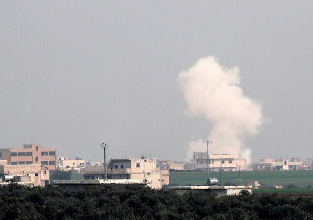 قصف جوي في مدينة إدلب في سوريا