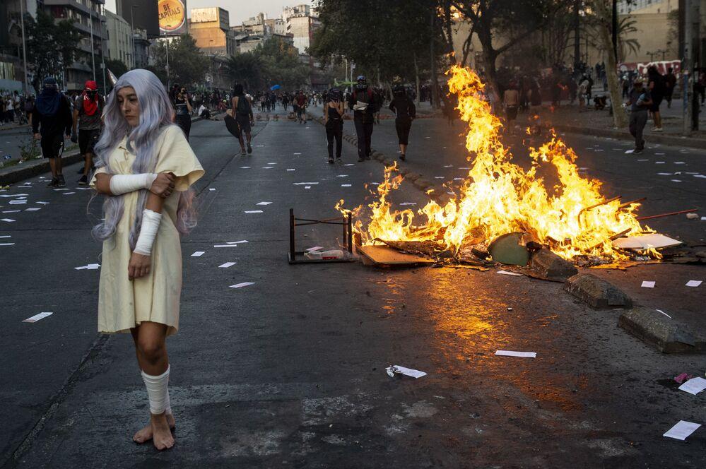 احتجاجات ضد الرئيس التشيلي سبستيان بنييرا في سانتياغو، 28 فبراير 2020