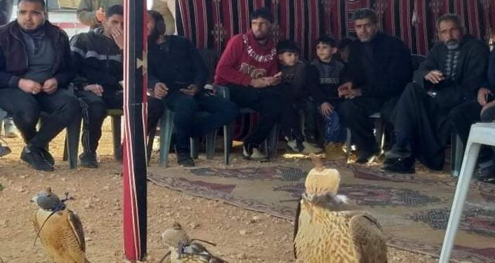 مسابقة لمربي الصقور والنسور الصقارين في ليبيا