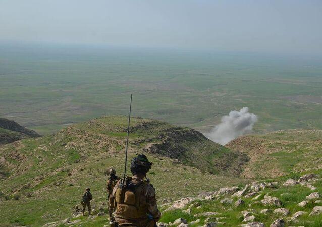 القوات العراقية تنفذ إنزالا بمشاركة التحالف الدولي وتقتل 25 إرهابيا