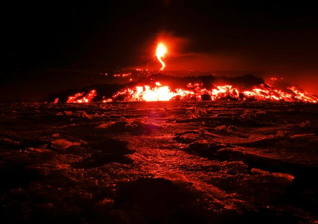بركان إيتنا في جزيرة صقلية الإيطالية