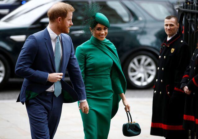 دوق ودوقة ساسكس الأمير البريطاني هاري وميغان ماركل لحظة وصولهما إلى خدمة الكومنولث السنوية في دير ويستمنستر في لندن، بريطانيا، 9 مارس/ آذار 2020