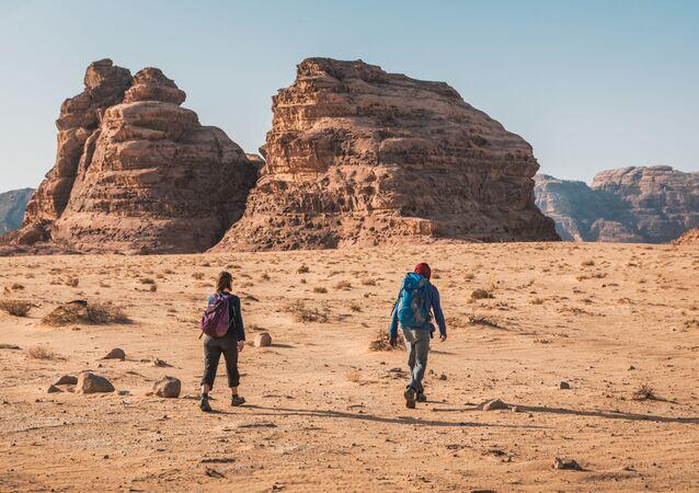 يجوب 73 قرية لمدة 45 يومًا.. مسير درب الأردن وجه جديد من سياحة المغامرات