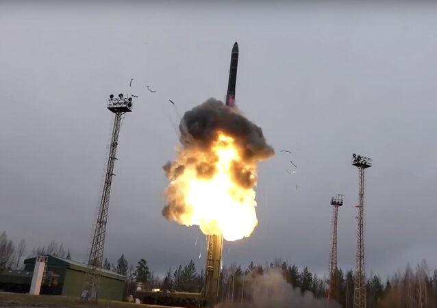 صاروخ روسي خارق