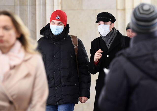 انتشار فيروس كورونا - مترو موسكو، روسيا 13 مارس 2020