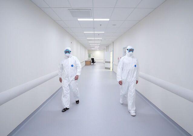 انتشار فيروس كورونا في روسيا - المجمع الطبي في كوموناركا، ضواحي موسكو، روسيا ٢ مارس ٢٠٢٠
