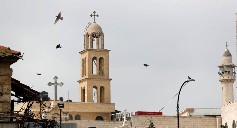 منع الصلاة في المساجد والكنائس بسبب تفشي كورونا في رام الله، الضفة الغربية، فلسطين 15 مارس 2020