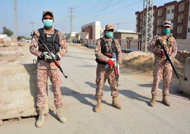 حظر الدخول والخروج من المدن في إيران لمواجهة كورونا