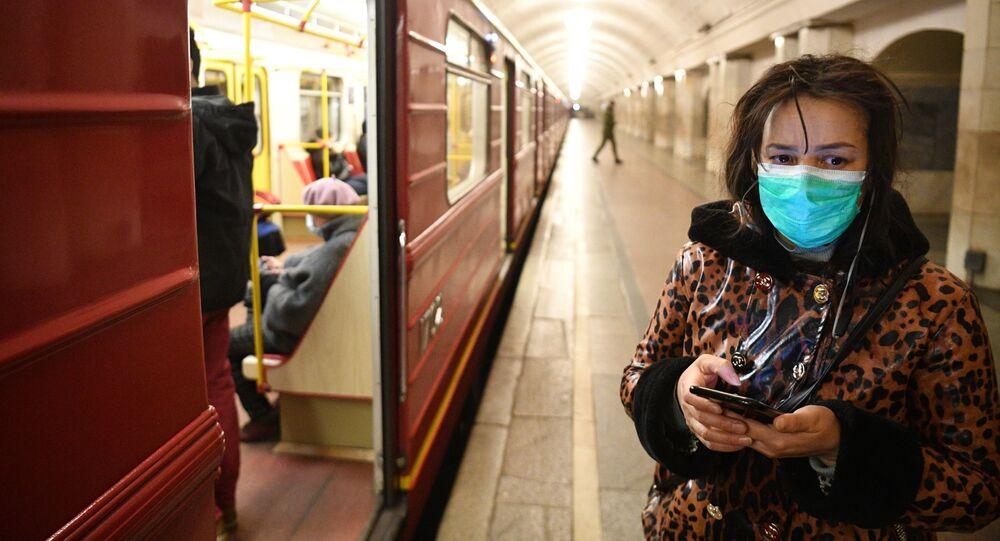 محطة مترو أوختني رياد في موسكو، انتشار فيروس كورونا، روسيا 24 مارس