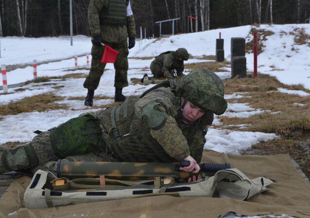 تدريبات قوات الحماية من الإشعاع الكيميائي والبيولوجي التابعة للقوات المسلحة الروسية في كوستروما