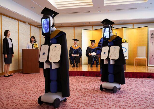 التعليم والتخرج عن بعد في ظل انتشار فيروس كورونا، اليابان أبريل 2020