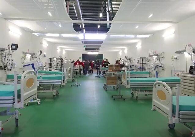 مستشفى بيرغامو الميداني، حيث يُعالج مصابو كورونا، إيطاليا 6 أبريل 2020