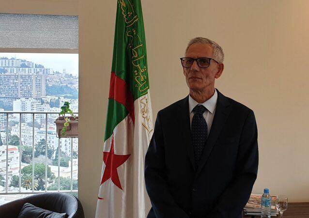 وزير الصناعة الجزائري فرحات آيت علي