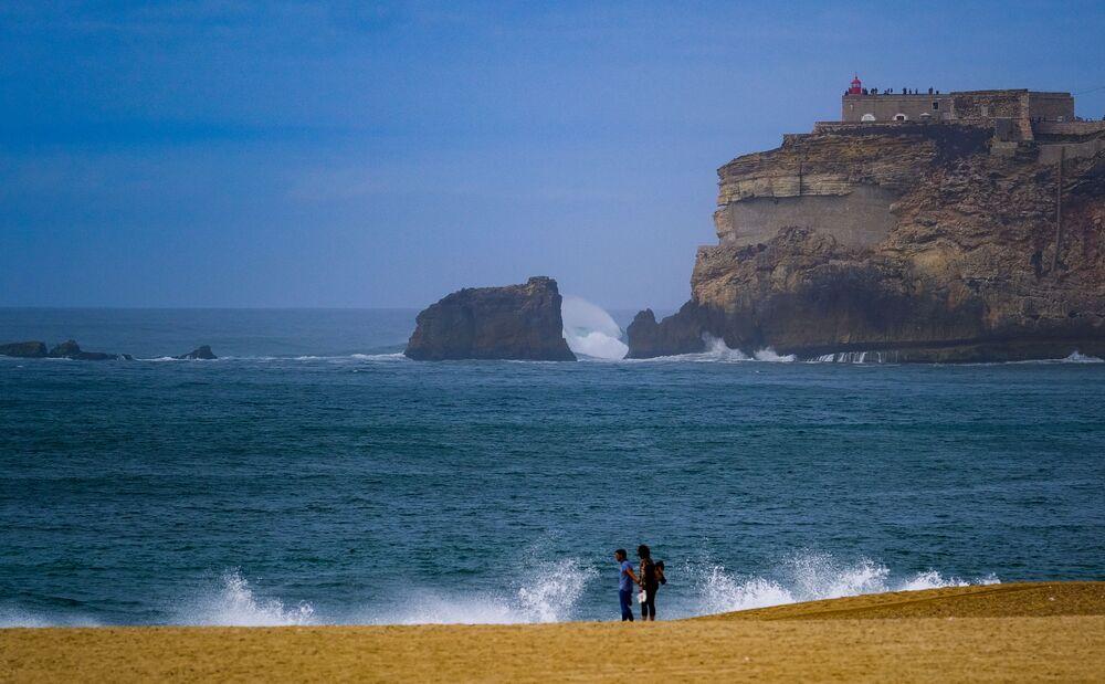 شاطئ في نازاري في البرتغال