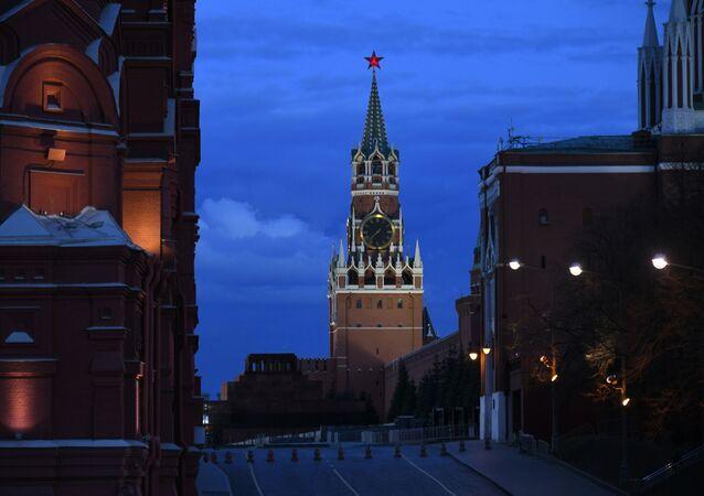 موسكو تفتقد الحياة الاعتيادية، على خلفية تشديد الاجراءات الوقائية ضد كورونا، أبريل 2020