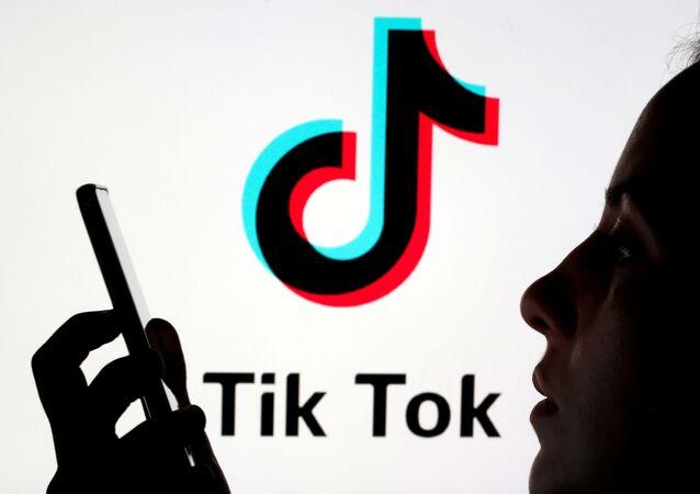 تطبيق تيك توك