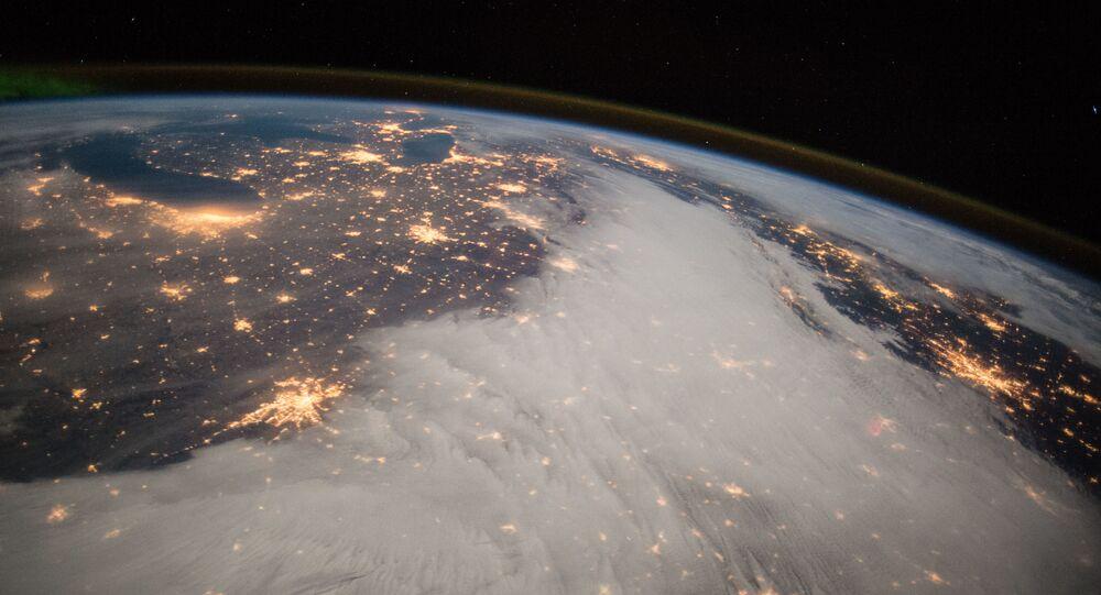 صورة لأمريكا الوسطى التقطها قائد البعثة الفضائية الـ42 الأمريكي باري ويلمور من مربكة الفضاء الدولية، 2014