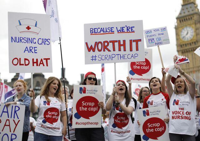 متظاهرات من الكلية الملكية للتمريض عام 2017