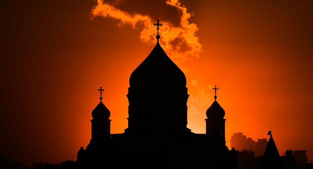 مشهد يطل على كنيسة المسيح المخلص في موسكو