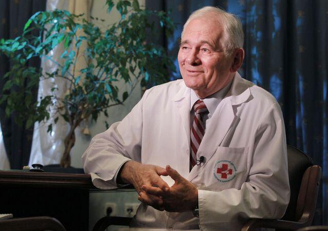 طبيب الأطفال الروسي ليونيد روشال