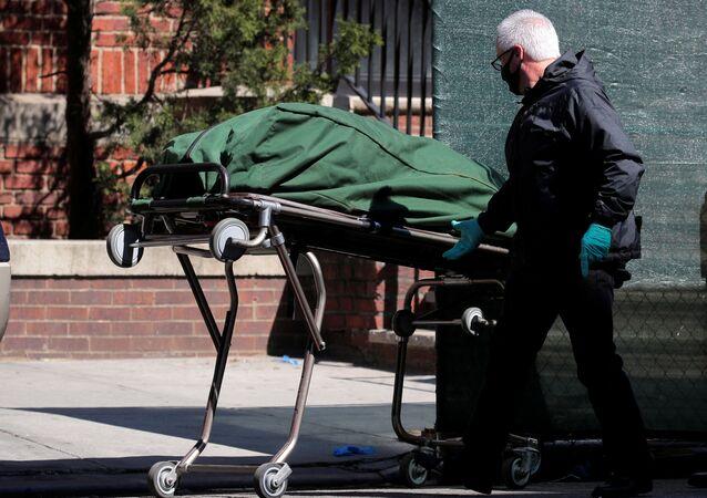 شخص متوفي في الولايات المتحدة بعد تفشي جئحة كورونا في البلاد