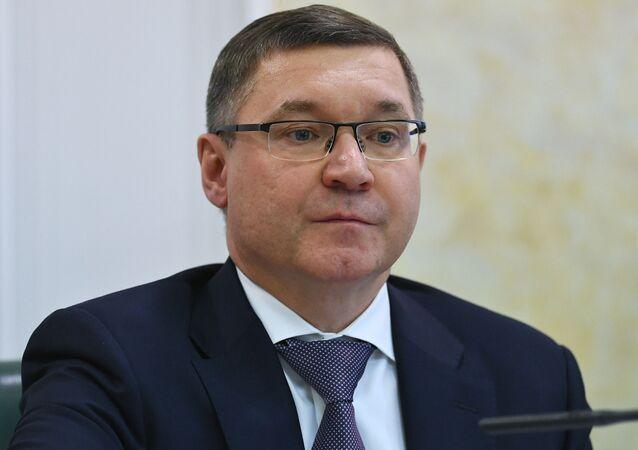 وزير البناء الروسي