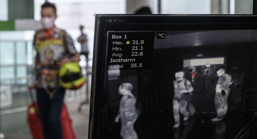 إجراءات الكشف عن كورونا بمطار هونغ كونغ