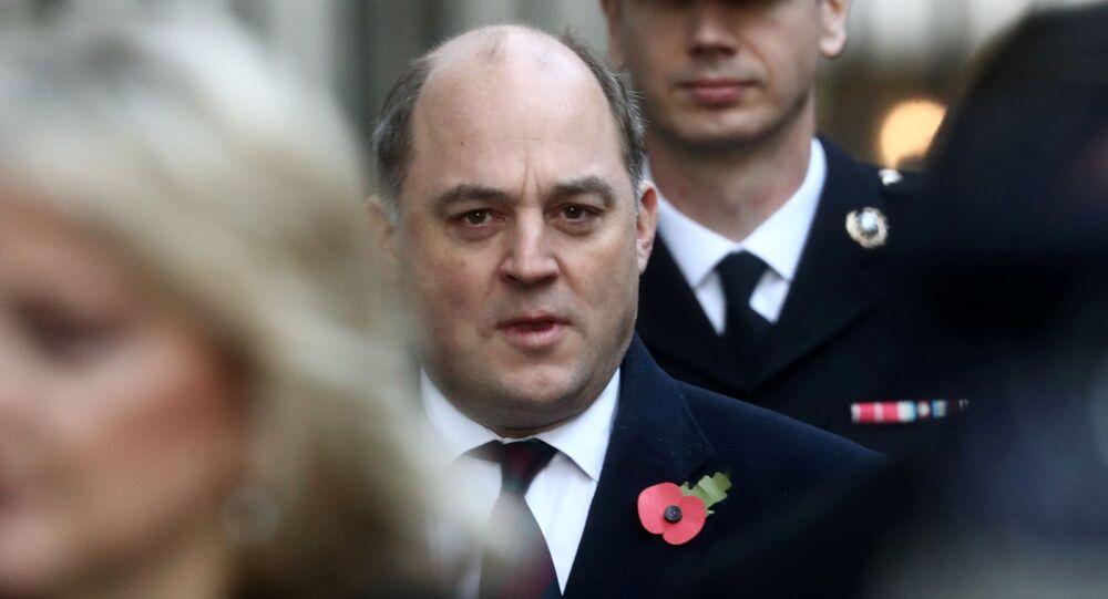 وزير الدفاع البريطاني بن والاس
