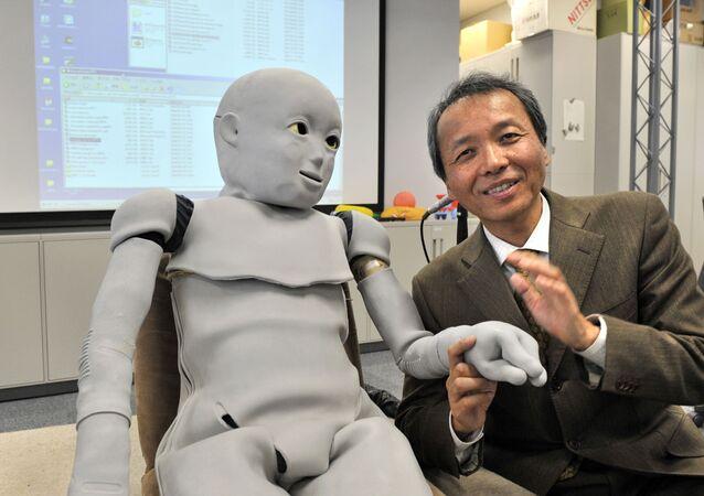 روبوت مغطي بجلد من السيليكون