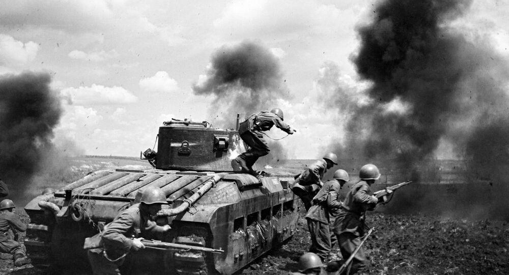 صور من أرشيف الحرب الوطنية العظمى (1941 - 1945) - طاقم الإنزال التابع للرائد موزغويف أثناء معركة في منطقة زمييف، الجبهة الجنوبية الغربية للاتحاد السوفيتي، 30 سبتمبر/ أيلول 1942