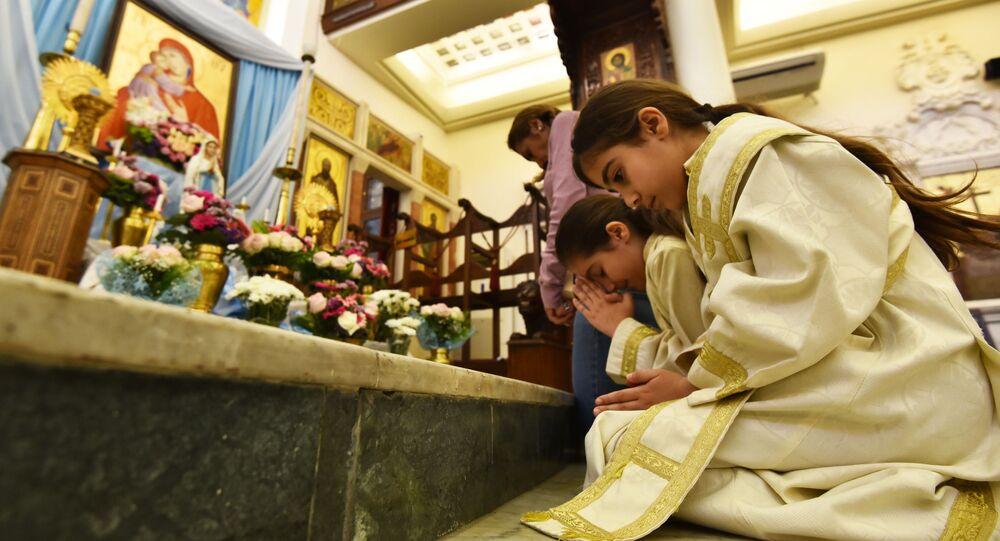 الصلوات الجماعية تعود إلى الكنائس السورية