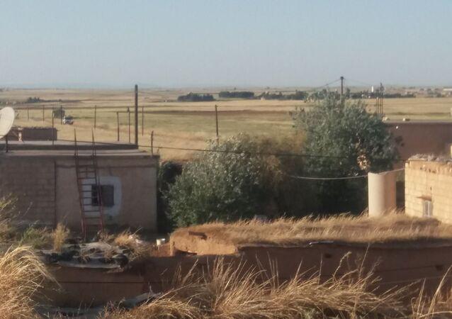 أهالي قرية القاهرة بريف الحسكة شمالي سوريا ينضمون للمقاومة الشعبية