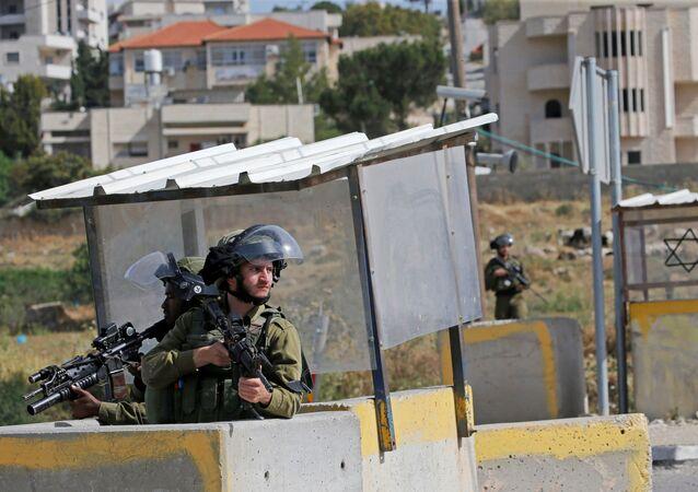 الضفة الغربية المحتلة، الجيش الإسرائيلي، الخليل، فلسطين، 13 مايو 2020
