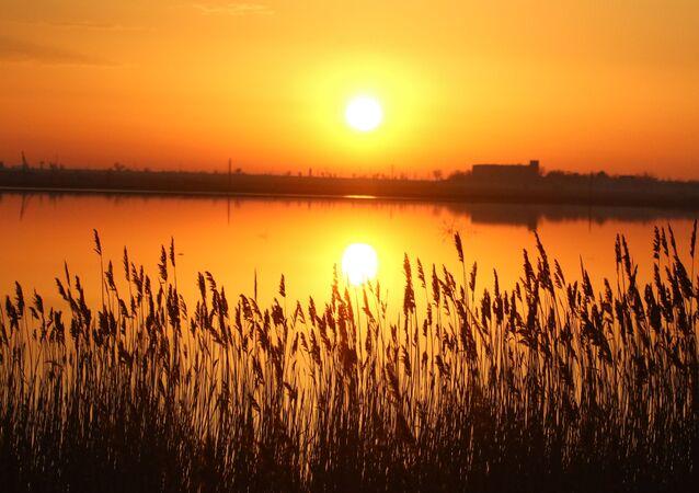 طلوع الشمس في القرم، روسيا 8 أبريل 2020