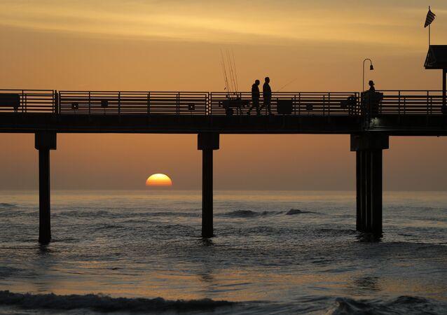 مدينة أورنج بيتش المطلة على خليج المكسيك، الولايات المتحدة 13 مارس 2020
