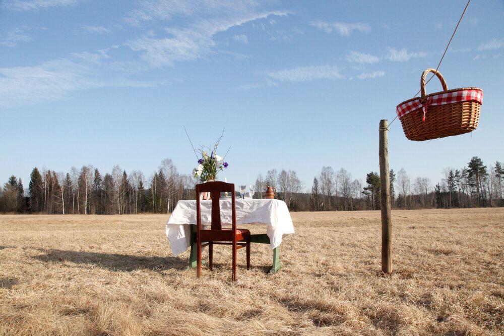 افتتاح المطاعم مع الحفاظ على قاعدة التباعد الاجتماعي منعا للإصابة بفيروس كورونا - رانستار، السويد 11 مايو 2020