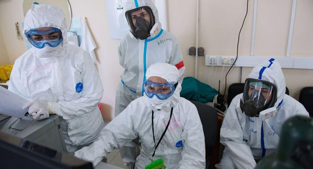 فحص و معالجة مرضى كوفيد-19 (كورونا) في مستشفى بيروغوفا في موسكو، روسيا 18 مايو 2020
