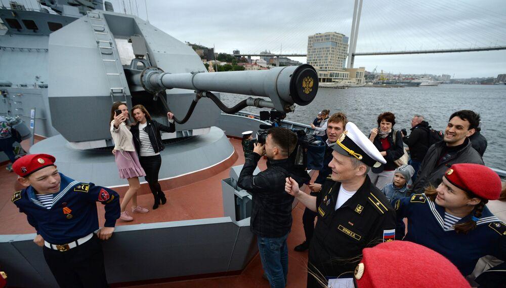 الطراد غرومكي خلال المنتدى التقني العسكري البحري أرميا 2019 في فلاديفوستوك الروسية