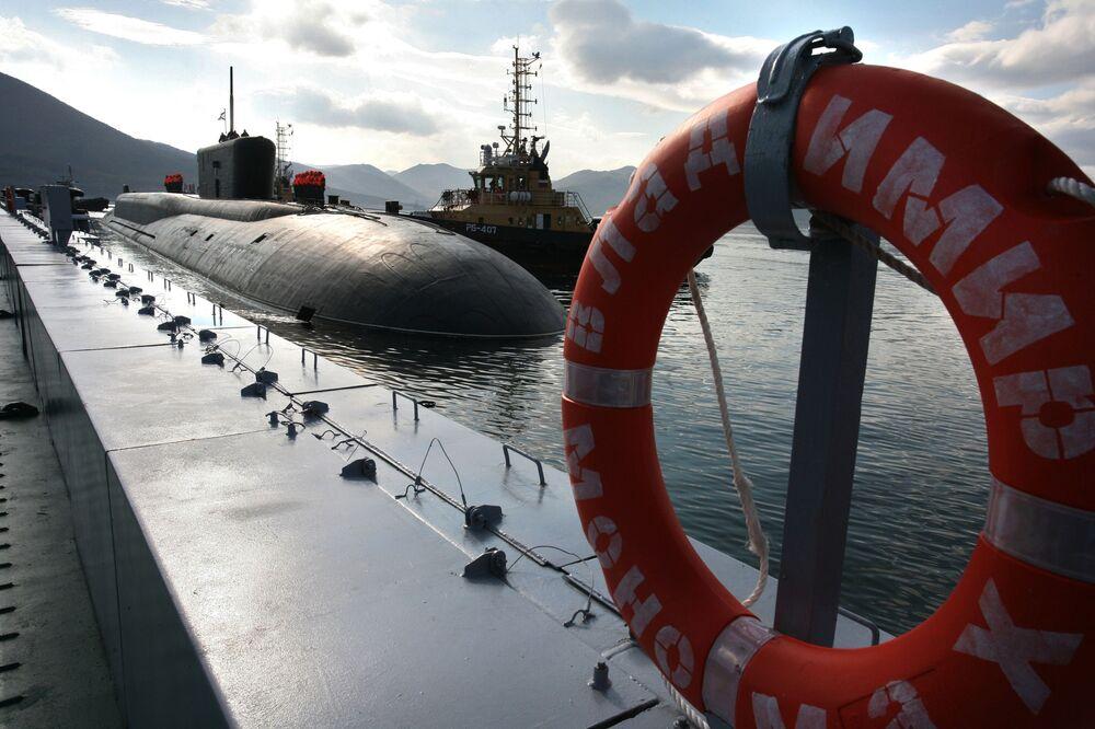 وصول الغواصة الروسية النووية من مشروع 955 فلاديمير مونوماخ إلى القاعدة الدائمة فيليوتشينسك في كامتشاتكا.