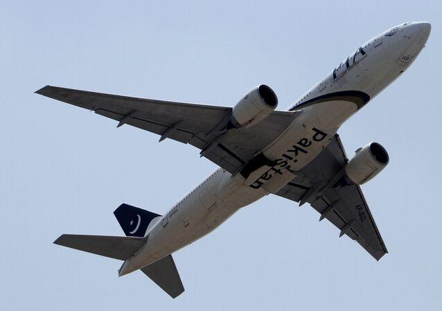طائرة تابعة للخطوط الباكستانية