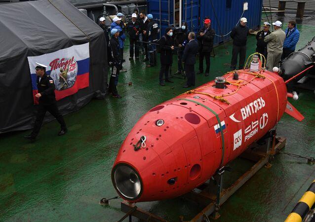 مراسم عودة غواصة الأعماق الروسية فيتياز - دي المسيرة من خندق ماريانا، التابعة لأسطول المحيط الهادئ، فلاديفوستوك، روسيا 23 مايو 2020