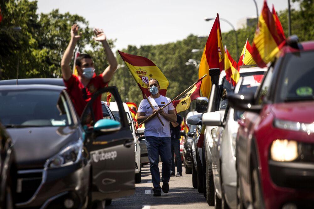 احتجاجات ضد الاجراءات الاحترازية لمكافحة فيروس كورونا في مدريد، إسبانيا 23 مايو/ أيار 2020