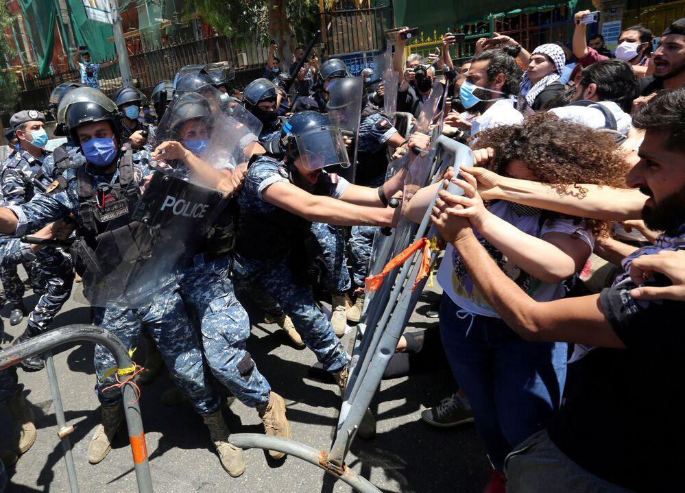احنجاجات واسعة النطاق  في بيروت ضد سوء الأ,ضاع في البلاد، لبنان 28 مايو/ أيار 2020