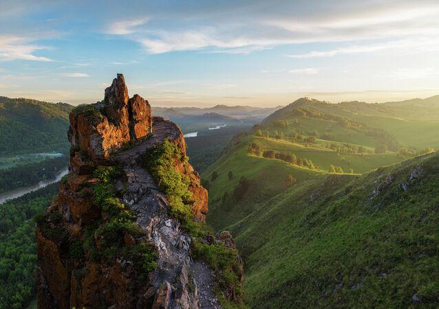 جبل تشيورتوف باليتس (أصبع الشيطان) في جمهورية ألتاي الروسية